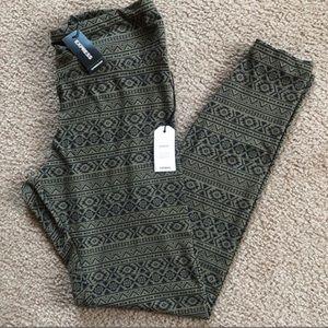 Super soft tribal legging 🍃